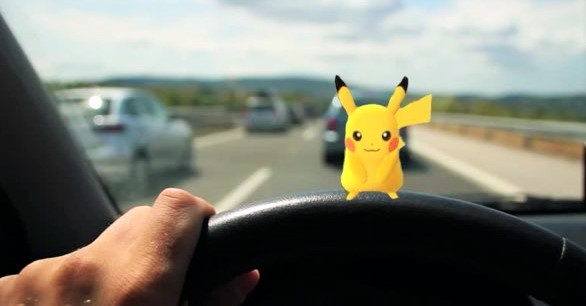 Pokémon GO in de auto